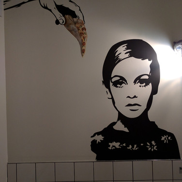 1960's inspired mural Twiggy