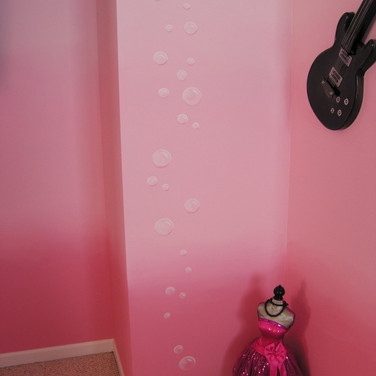 Glazing - Colorfade on wall and bubbles.