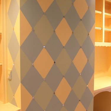 Pattern - Diamond accent wall with small