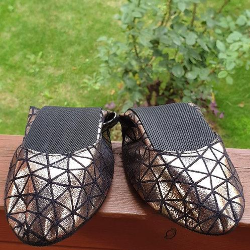 Triangle Pisi Shoe-Dore