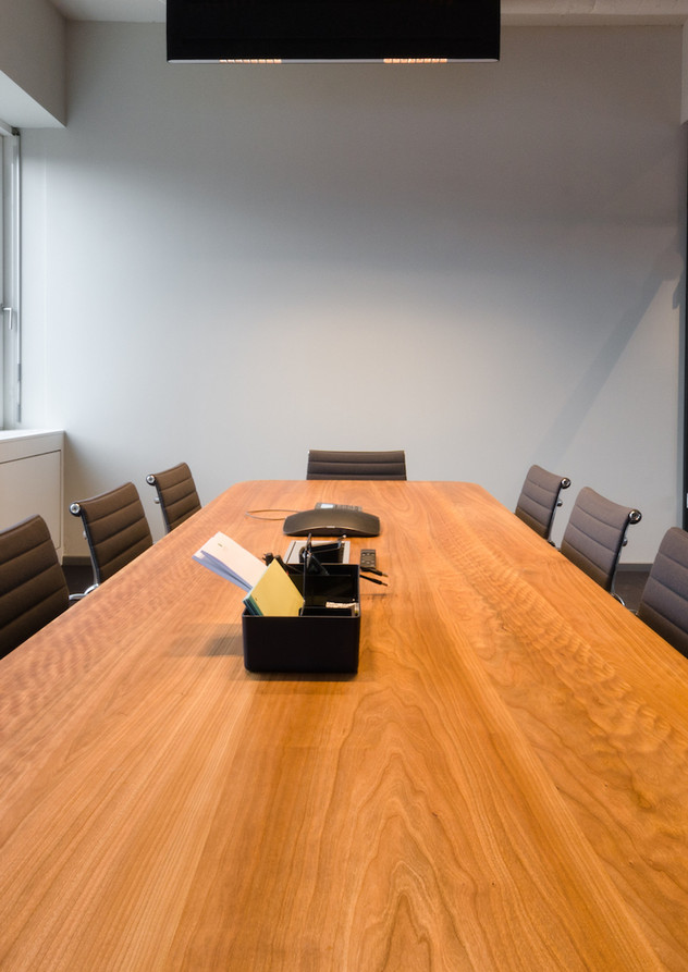 "Conference table ""Isabel"""