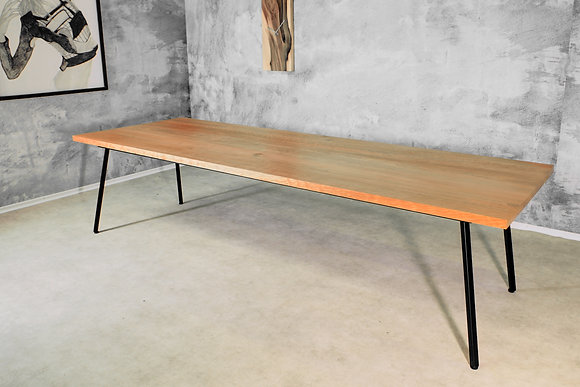 "Dining Table ""Fibra"""