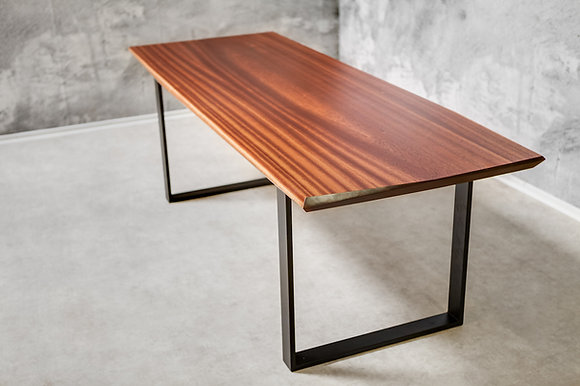 "Dining Table ""Berlin Edge"""
