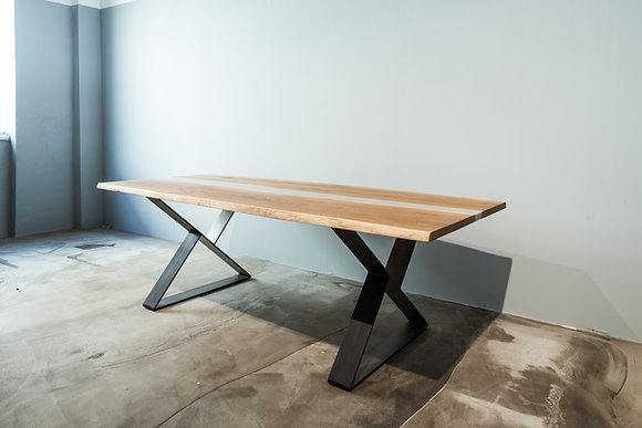 "Dining table ""Carpe"""