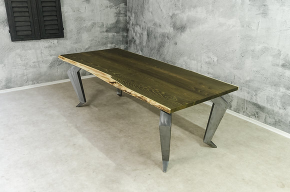 "Dining Table ""Squat"""