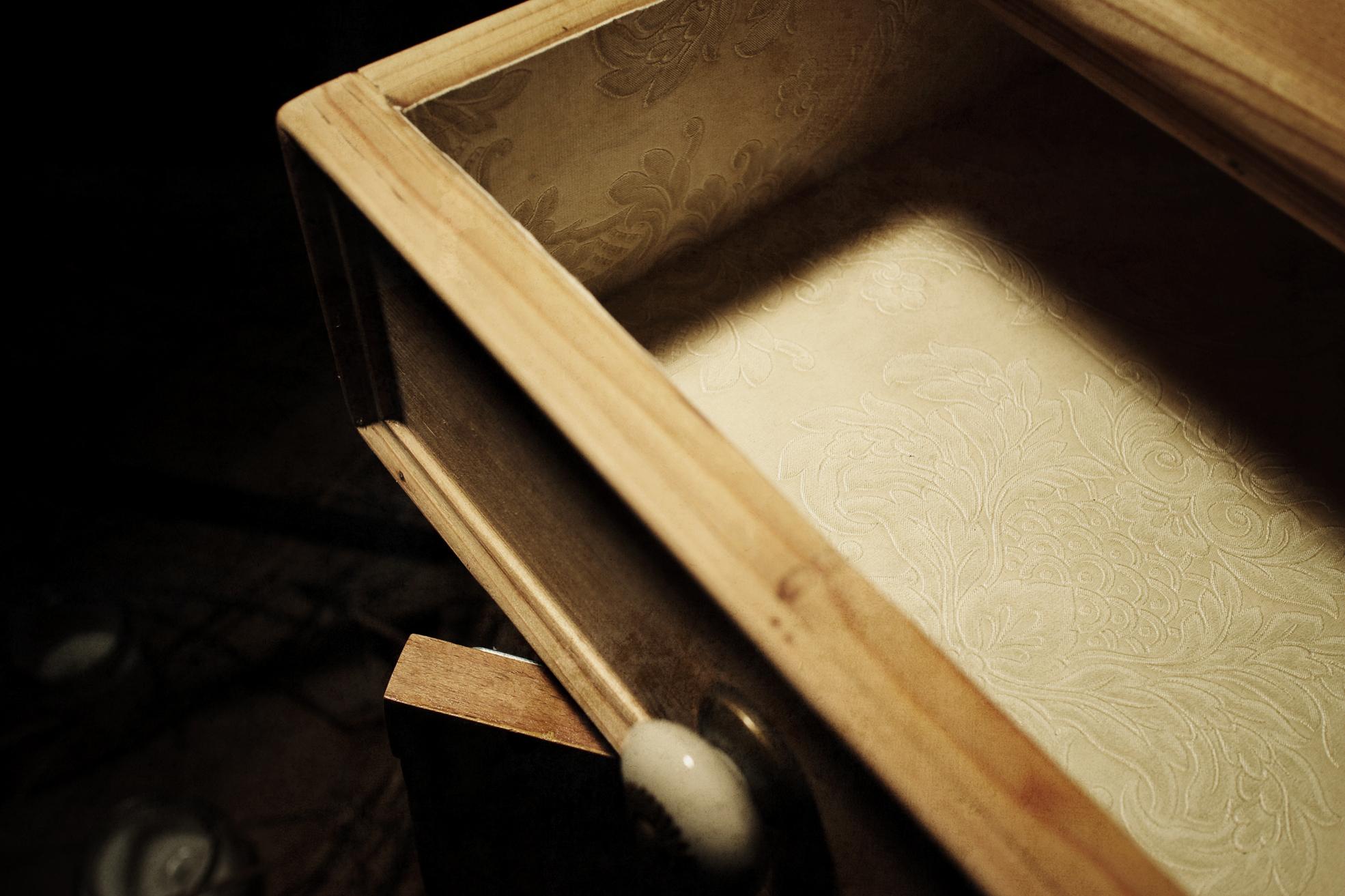 nachttischmöbel detail schublade