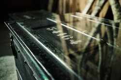 offizierskiste detail glasplatte