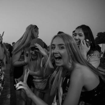 Band crowd.festivals.jpg