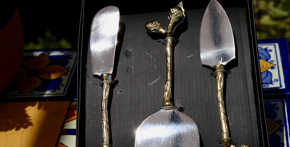 Two's Company Golden Acorns Cheese Knives