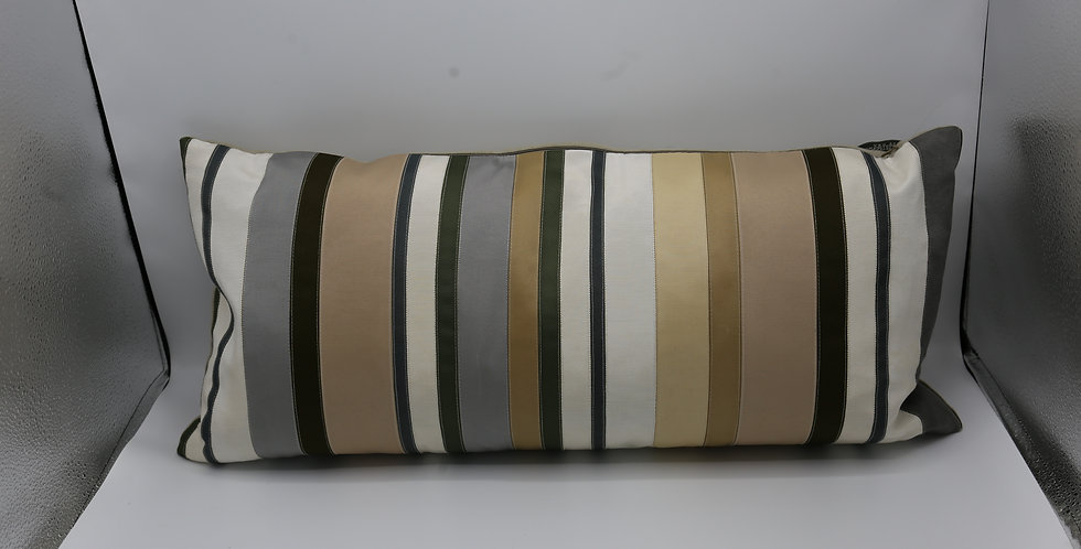Dransfield and Ross Ribbon Pillow