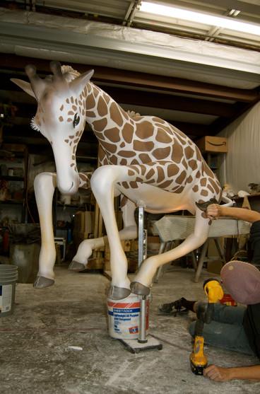 Nat Geo NBA Giraffe