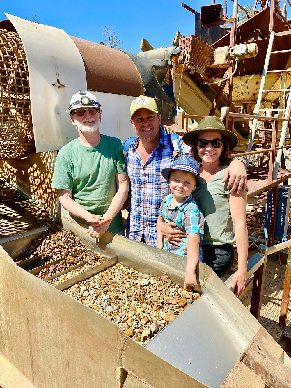 Sapphire Mining, Rubyvale, Queensland, Family