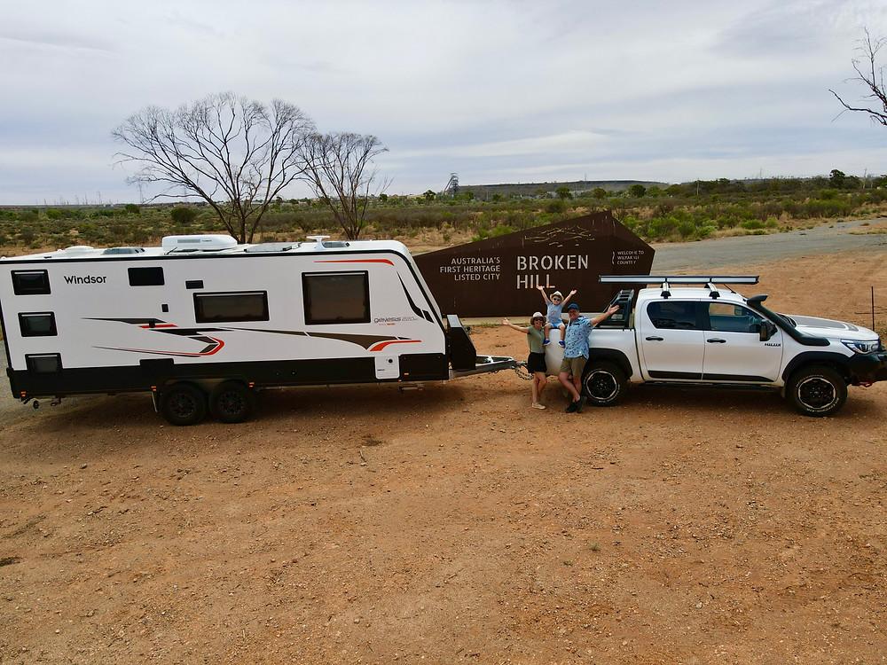 Windsor Genesis Caravan, Toyota Hilux, Broken Hill town sign