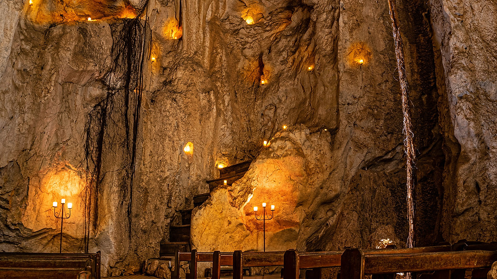Capricorn Caves, Caves, Cathedral