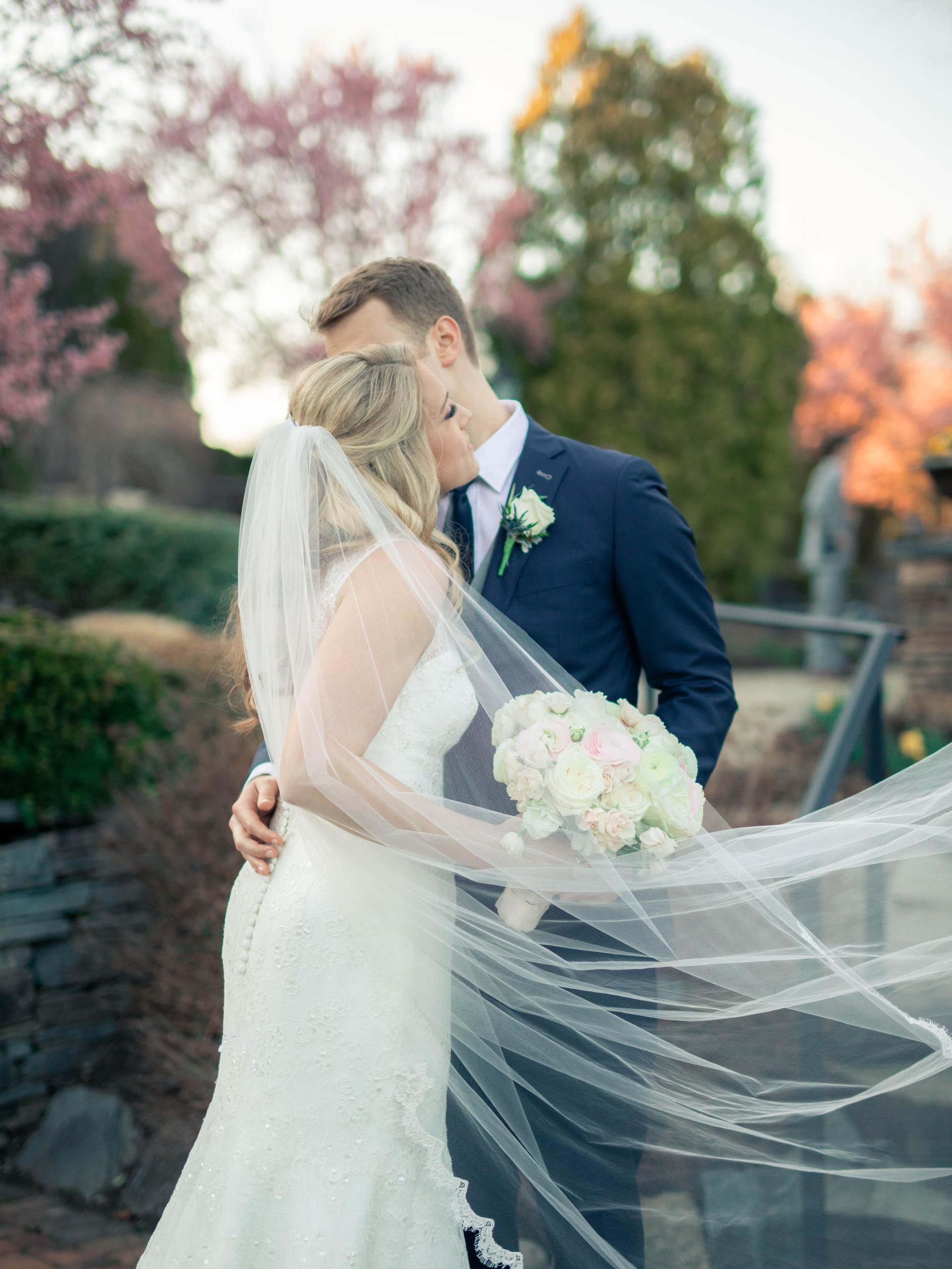 new-jersey-wedding-bride-groom-veil-dres