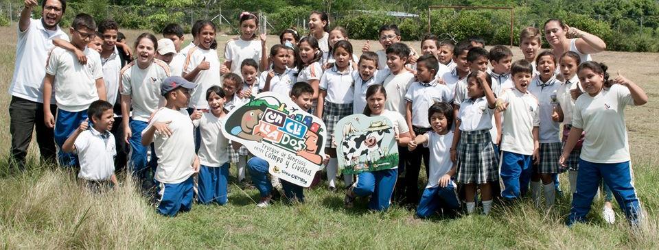 Visita a escuela rural