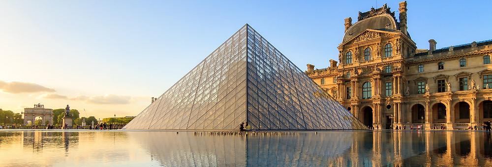 Fachada do Museu do Louvre