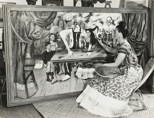 Frida Kahlo pintando A Mesa Ferida - Bernard Silbersteinca, 1940