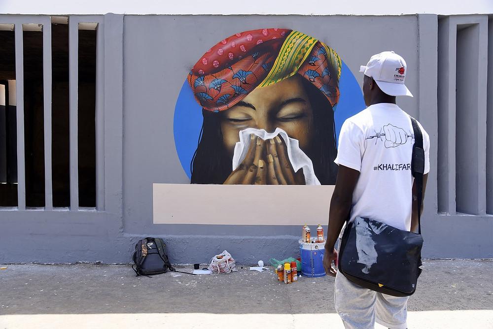 Mural pelo  grupo senegalês de grafite RBS Crew, em um centro universitário de Dakar, no Senegal — Foto: Seyllou/Reuters
