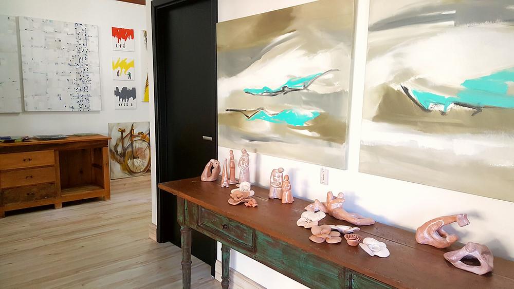 Interior da Galeria Arte12b em Gramado