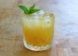 bourbon smash recipe, whiskey smash, bourbon smash cockail, what is a smash cocktail?
