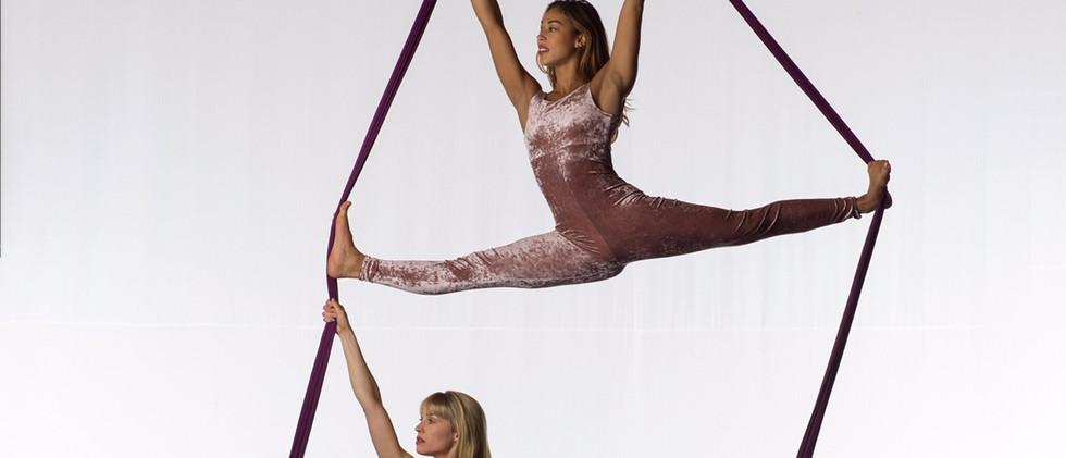 aerialettes double splits.jpg