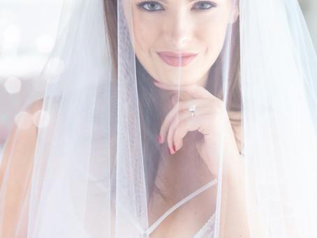 9 Beautiful Bridal Boudoir Posing Ideas