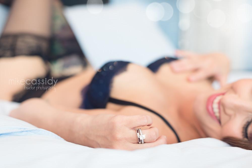 Cross-body boudoir pose