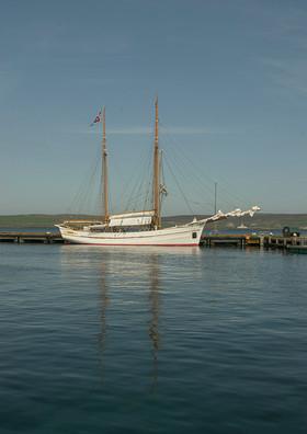 Norwegian ship at Lerwick 2.jpg