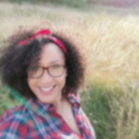 Zina Headshot 1.jpg