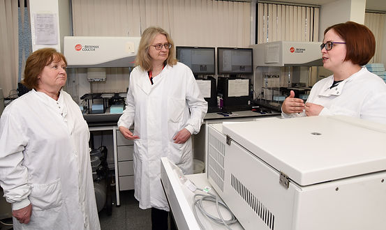 Maureen Watt MSP visits University of Aberdeen and NHS Grampian, Zosia Miedzybrodzka, Dawn O'Sullivan