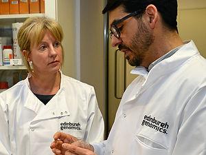 Javier Santoyo-Lopez, Scottish Genomes Partnership, explains genomic sequencing to Shona Robison MSP, Cabinet Secretary for Heath and Sport