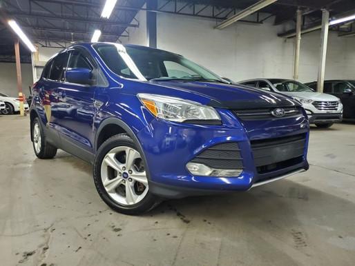 Ford Escape SE awd  2013 144 000 KM Prix : 9295$