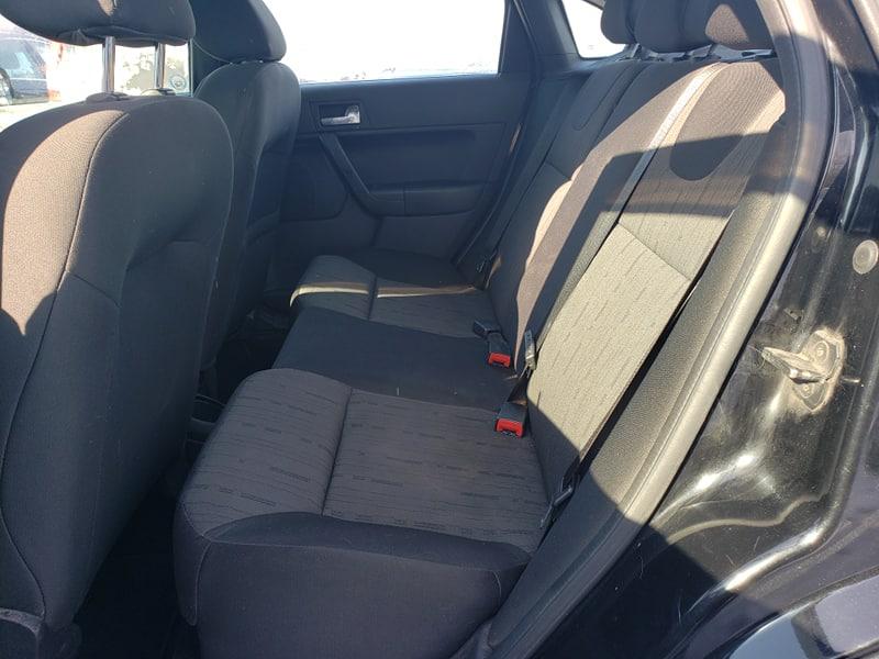 Ford Focus SE 2011 automatique avec 177 000 km. Prix: 3495$