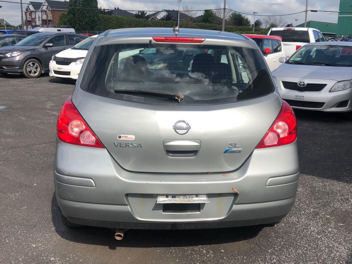 Nissan Versa SL 1.8L 2010