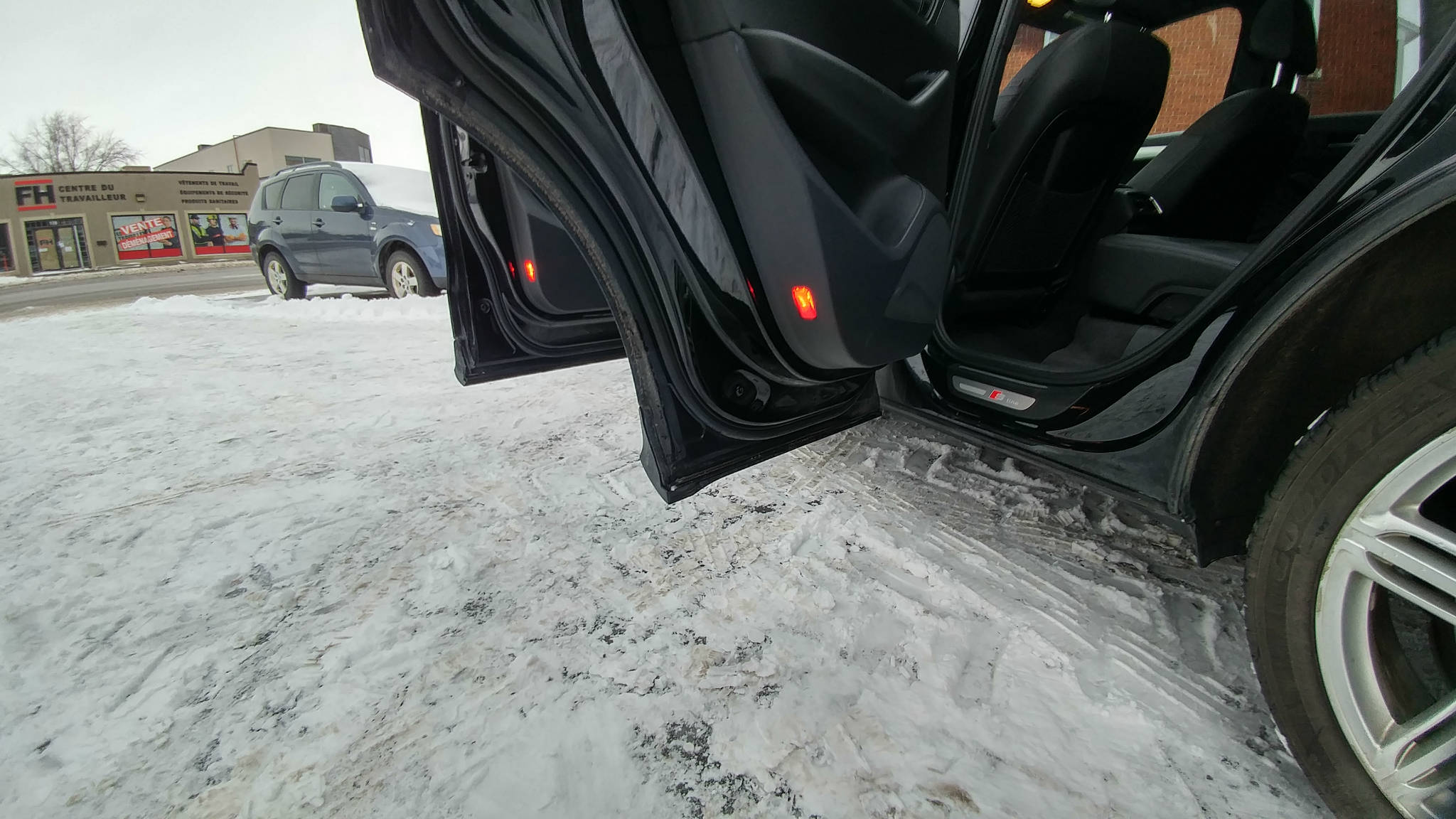AUDI Q5 3.2L 2010 AWD Prix: 13995$ à vendre   Beloeil
