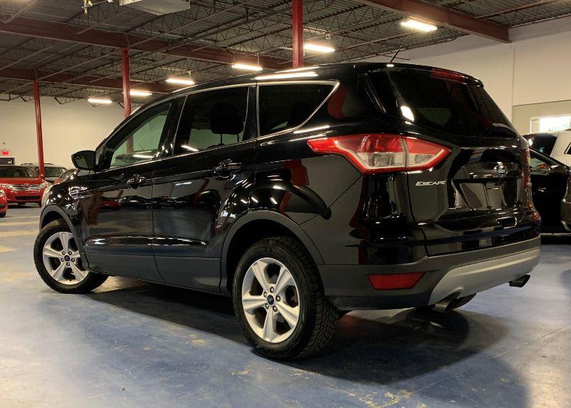 Ford Escape SE FWD 1.6L 2016