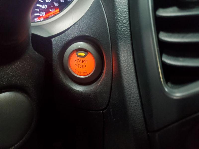 Nissan Juke 1.6L SV FWD 2015