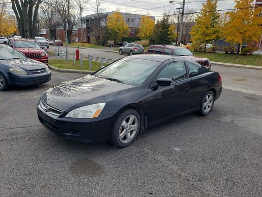 VENDU! Honda Accord v6 2006 manuelle avec 341 000 km. 1795$