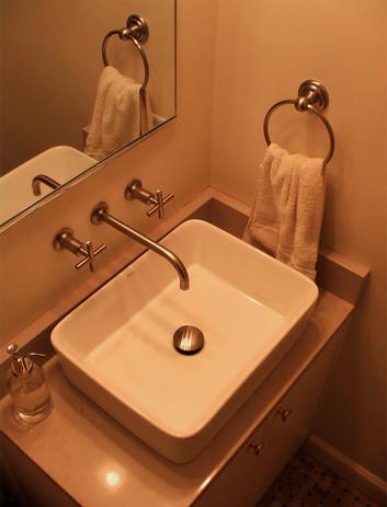 Hall Bath 4.jpg