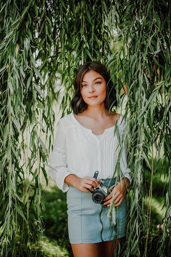 bekah scout senior portrait photography.