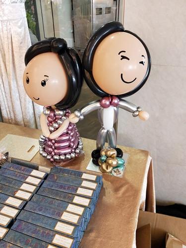 Balloon Sculpting Couple.jpg