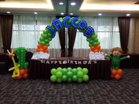 Customized Balloon Arch