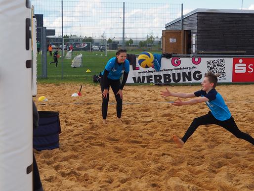 Volleyball-Schnuppertraining für Kids: Mega-Erfolg! 40 Kinder kamen.