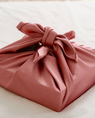 furoshiki-fabric-gift-wrap_edited.jpg