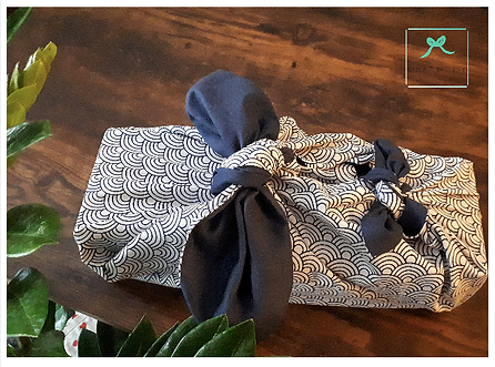 2 knots wrapuccino fabric wrap.png