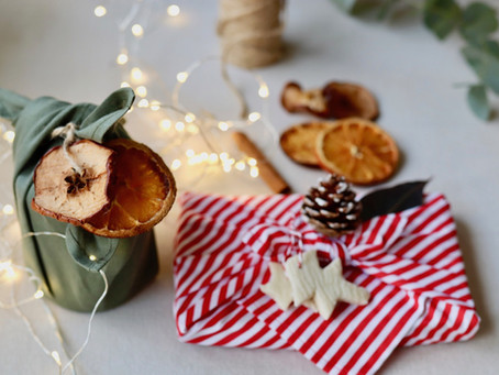 How To: Natural Festive Decorations For Your Christmas Gifts