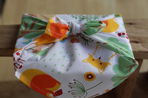 ¨In the woods¨ cotton fabric gift wrap