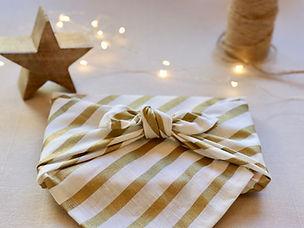 gold-stripes-centre-fabric-wrap-wrapucci