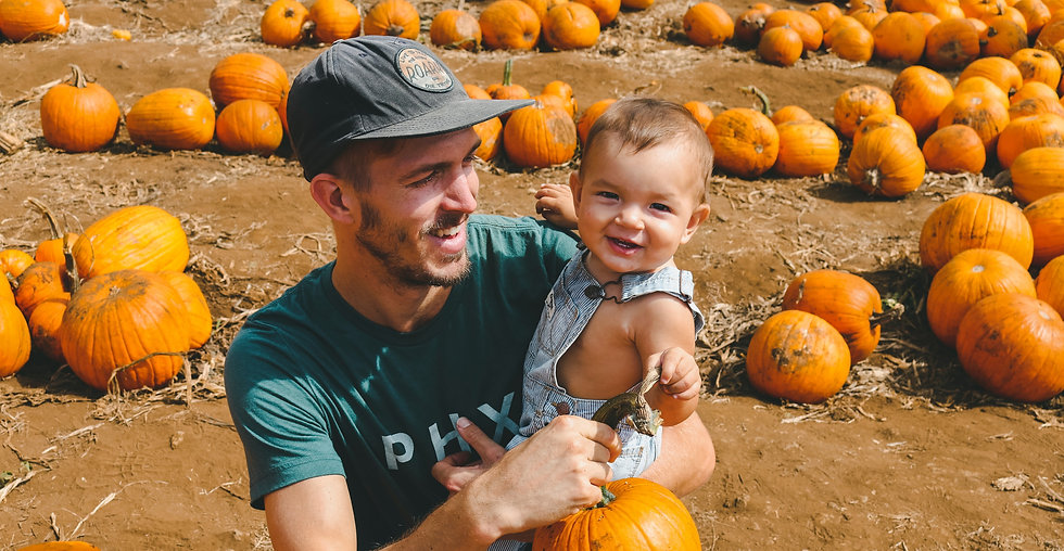 Dad%20and%20Kid%20in%20Pumpkin%20Patch%2